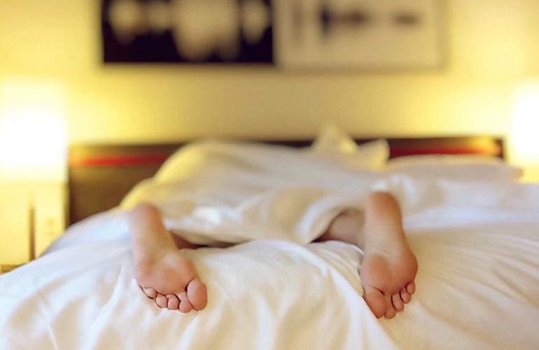 salida en la cama